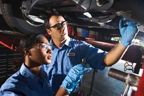自動車整備士・自動車整備工になるには 職業ガイド